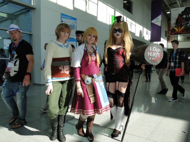 Nintendo Preview Gamescom 2015 Screen cosplay 1