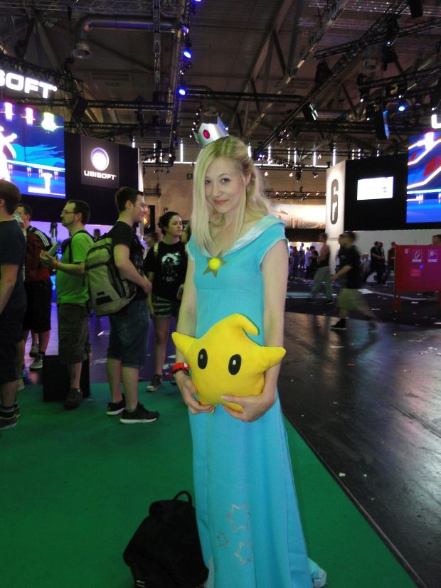 Nintendo Preview Gamescom 2015 Screen cosplay 2