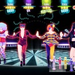 Jusqu'à 6 danseurs peuvent s'amuser en coop pour obtenir le meilleur score. De quoi souder votre groupe!