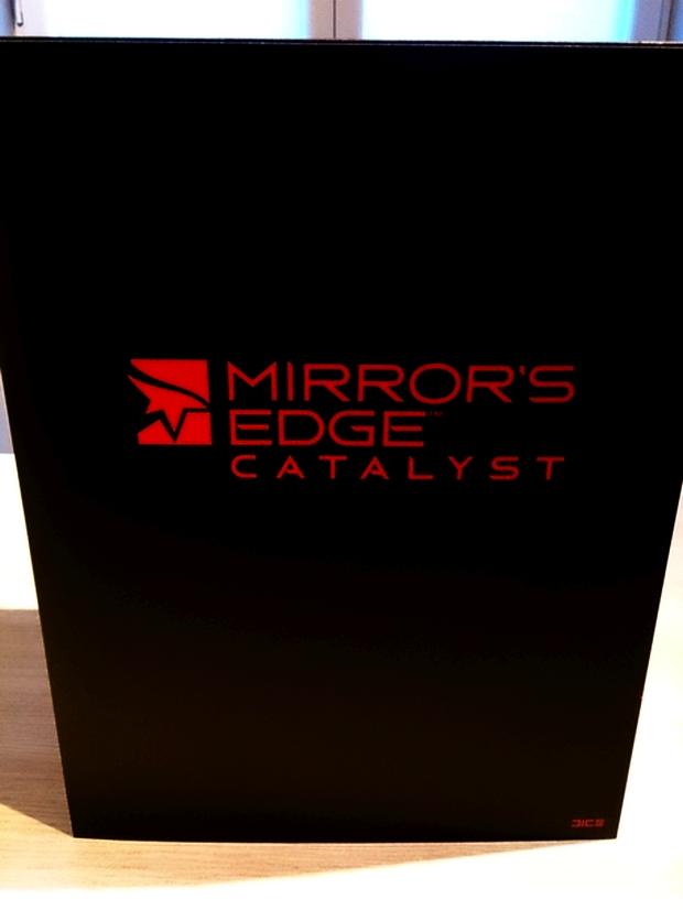 mirror's edge catalyst collector's edition boitier et goodies photo (2)