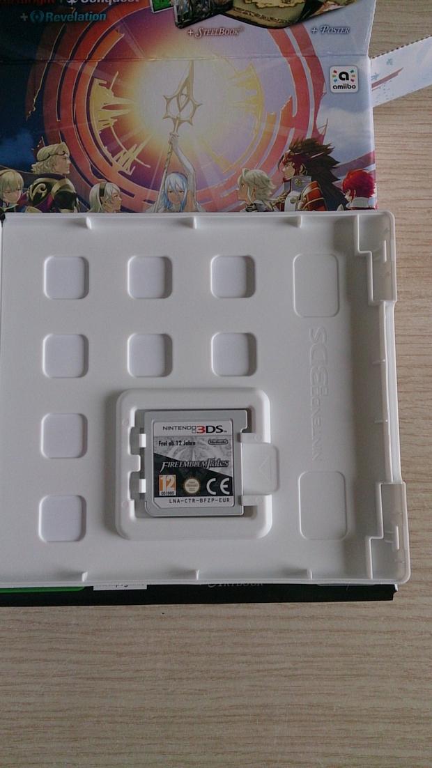 Fire Emblem Fates Collector Unboxing Photo (5)