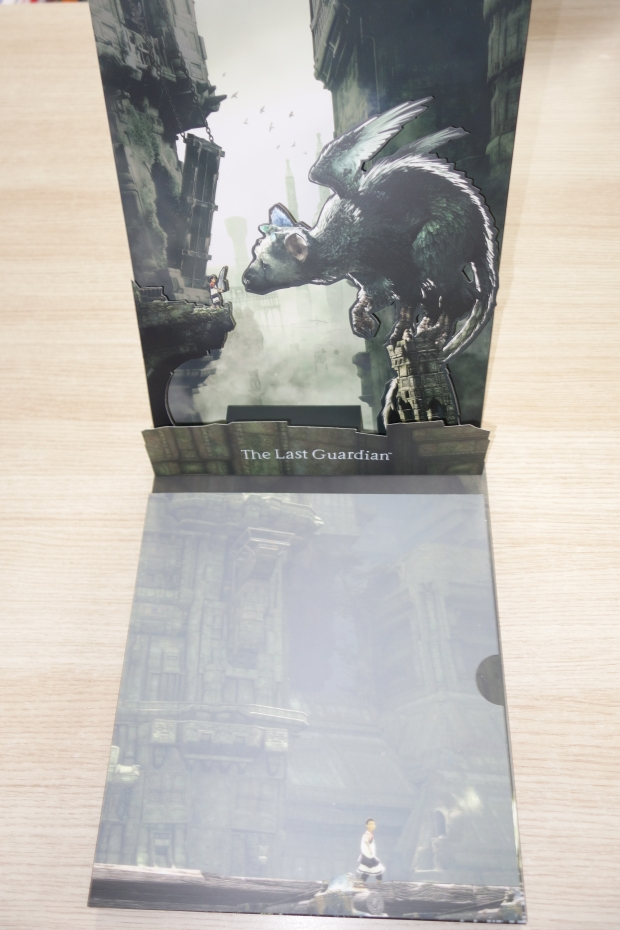 the-last-guardian-presskit-collector-unboxing-screen-3