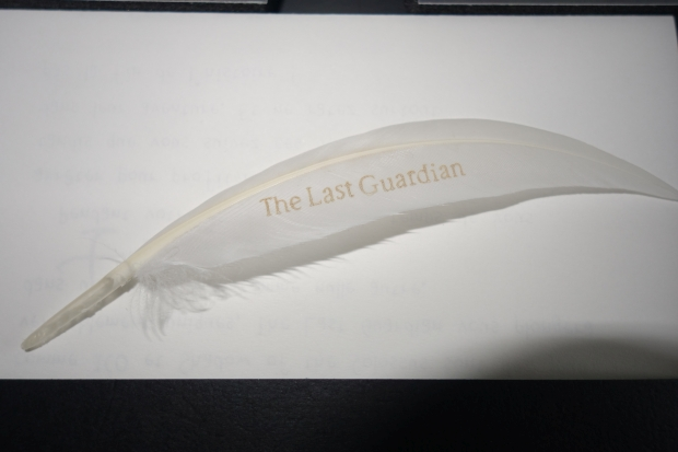 the-last-guardian-presskit-collector-unboxing-screen-6